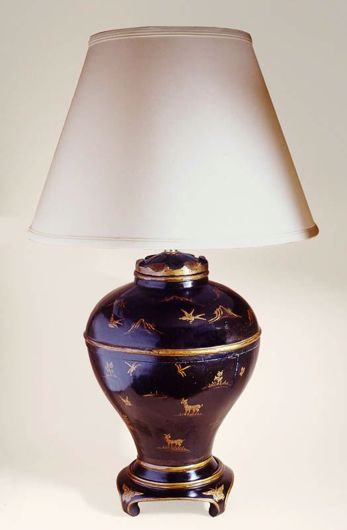 Picture of BLACK AND GOLD LACQUERED CHINOISERIE LAMP